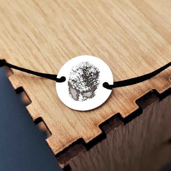 Bratara banut cu amprenta - Argint 925, snur negru