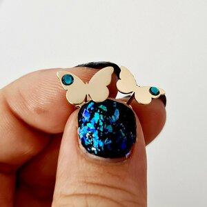 Cercei fluture - model simplu cu cristal Swarovski - Aur Galben 14K - inchidere surub