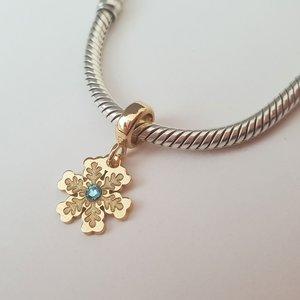 Charm personalizat Craciun - Fulg de zapada - Argint 925 placat cu Aur galben 14K - cristal Swarovski