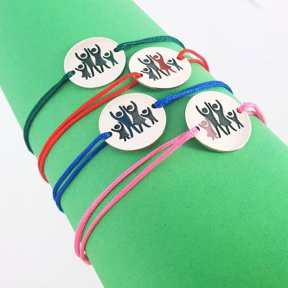 Set 4 bratari personalizate si decorate cu email colorat - Model familie 4 membri - Banuti Argint 925 - snur reglabil