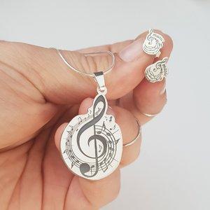 Set personalizat lantisor si cercei - Cheia Sol cu portativ si note muzicale - Argint 925