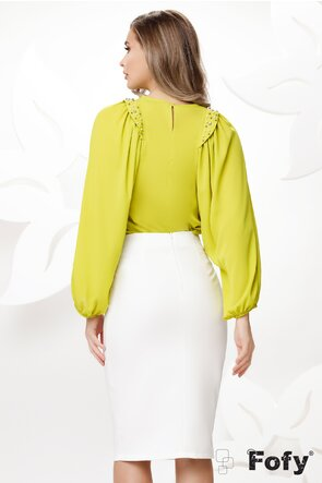 Bluza dama eleganta lime e cu maneci largi si aplicatii de perle si strassuri