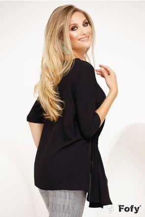 Bluza Fofy neagra lejera cu fronseuri asimetrice si colier inclus