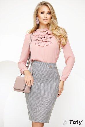 Bluza Fofy din voal roz pudrat cu jabou si accesoriu metalic