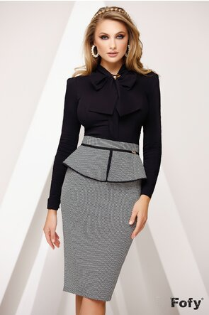 Camasa dama Fofy  neagra cu funda maxi si brosa stilizata inclusa