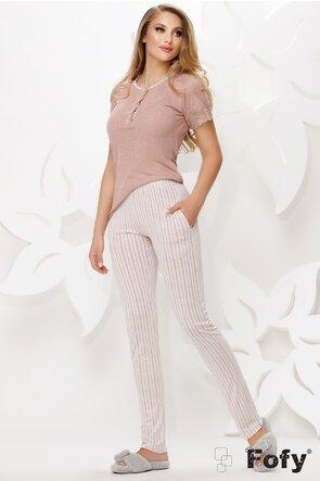 Pijama premium cu tricou roz brodat si aplicatii de dantela