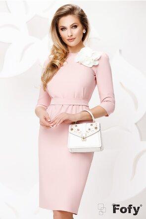 Rochie Fofy roz cu nasturi perla la spate si trandafir lucrat manual