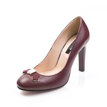 Pantofi de dama bordo Joli cu funda Agnes