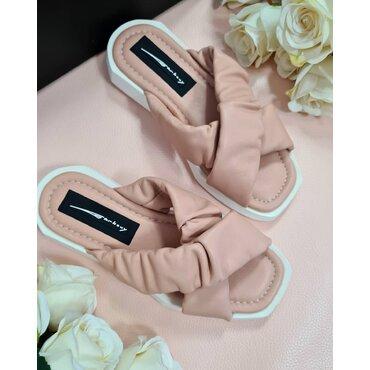Papuci roz de dama Azalia