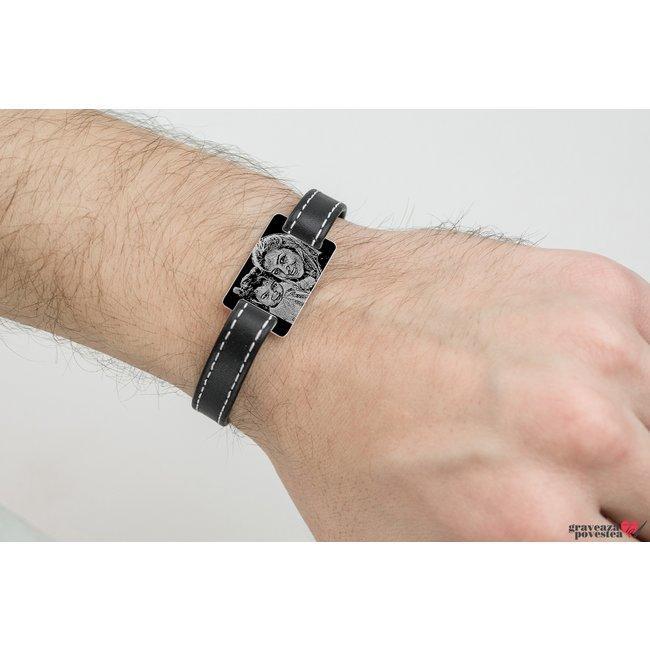 Bratara barbateasca piele lata cusuta placuta 28 mm personalizata gravura foto Argint 925 rodiat (inchizatoare inox)