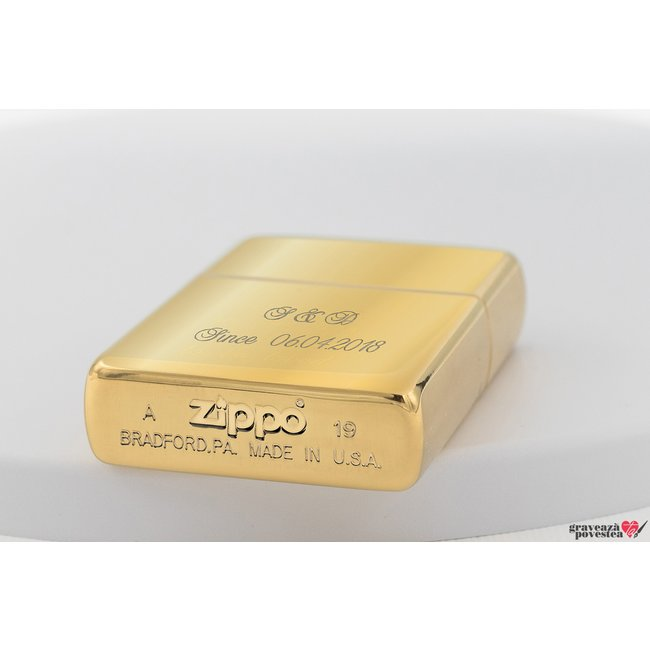 Bricheta Zippo personalizata gravura text auriu - lucios