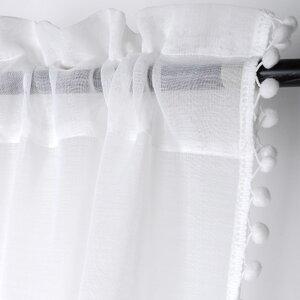 Anya Perdea, Textil, Alb