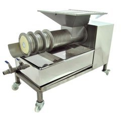 Storcator capaceala tip melc Lyson 200 kg/h