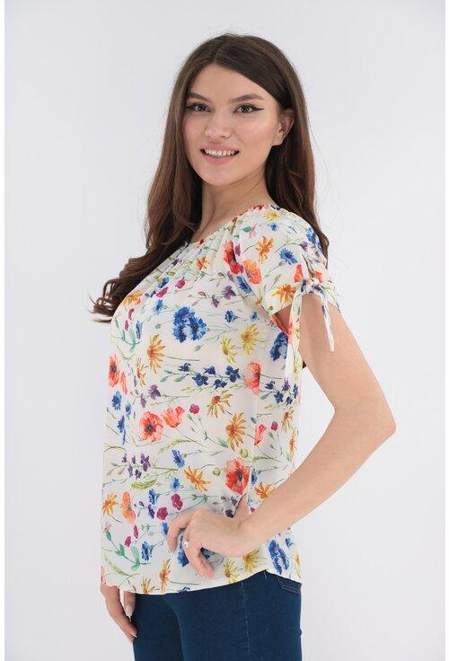 Bluza alba cu flori multicolore si fundite la maneci