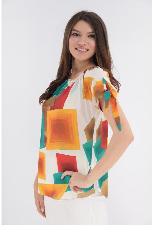 Bluza alba cu patrate maxi multicolore si fundite la maneci