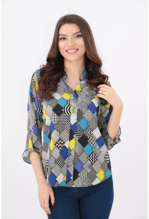 Bluza cu romburi multicolore si guler tunica