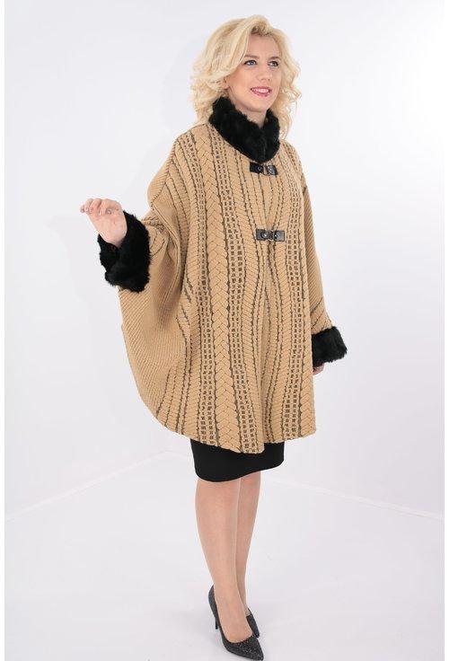 Poncho camel tricotat cu blanita neagra