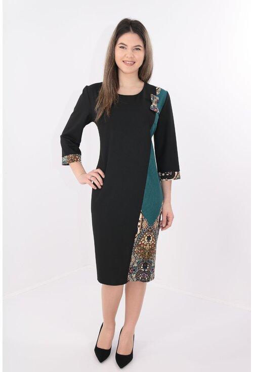 Rochie neagra cu jerse verde bordurat